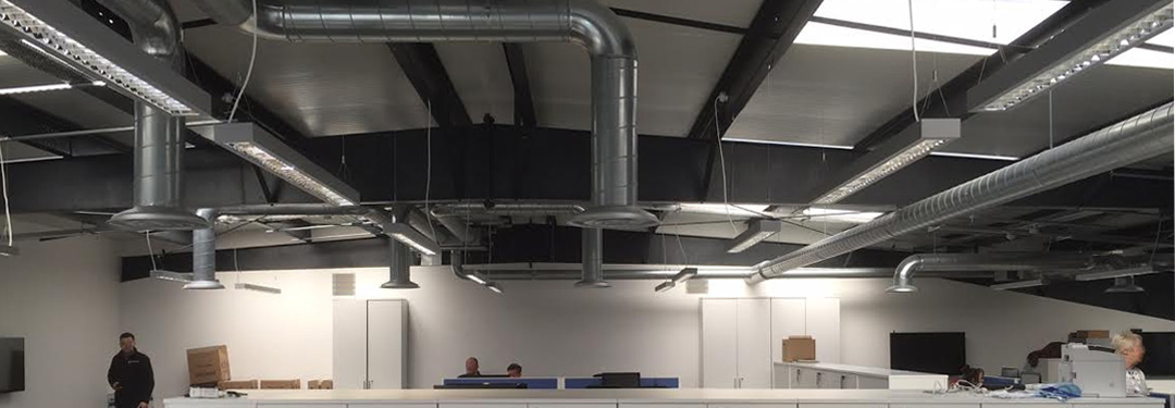 Air conditioning and ventilation installation